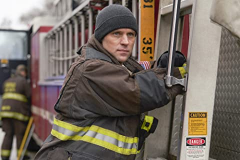 Chicago Fire 7×16 – Falta en él