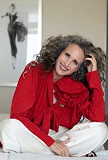 Andie MacDowell Picture