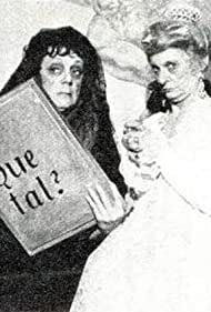 Denise Gence and Françoise Morhange in La vie fantastique des figures peintes (1981)