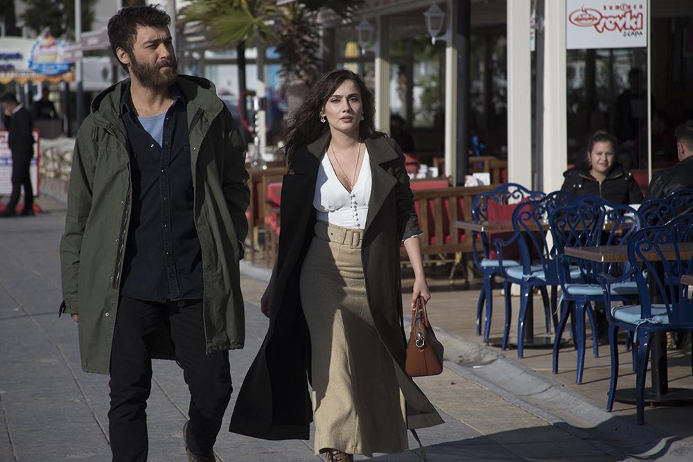 Seçkin Özdemir and Sevda Erginci in Sevgili Geçmis (2019)