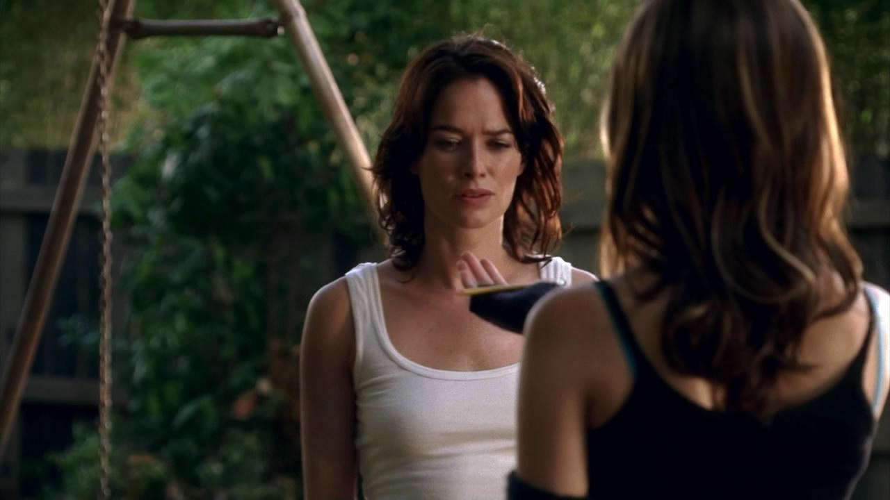 Lena Headey in Terminator: The Sarah Connor Chronicles (2008)