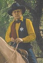 Tom Chatterton's primary photo
