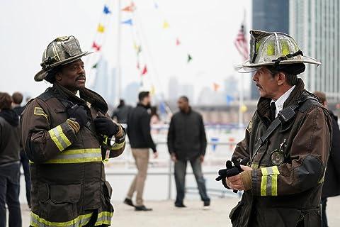 Chicago Fire 6×22 – Uno para las edades