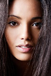 Maisie Richardson-Sellers Picture