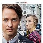 Tom Schilling and Saskia Rosendahl in Fabian oder Der Gang vor die Hunde (2021)