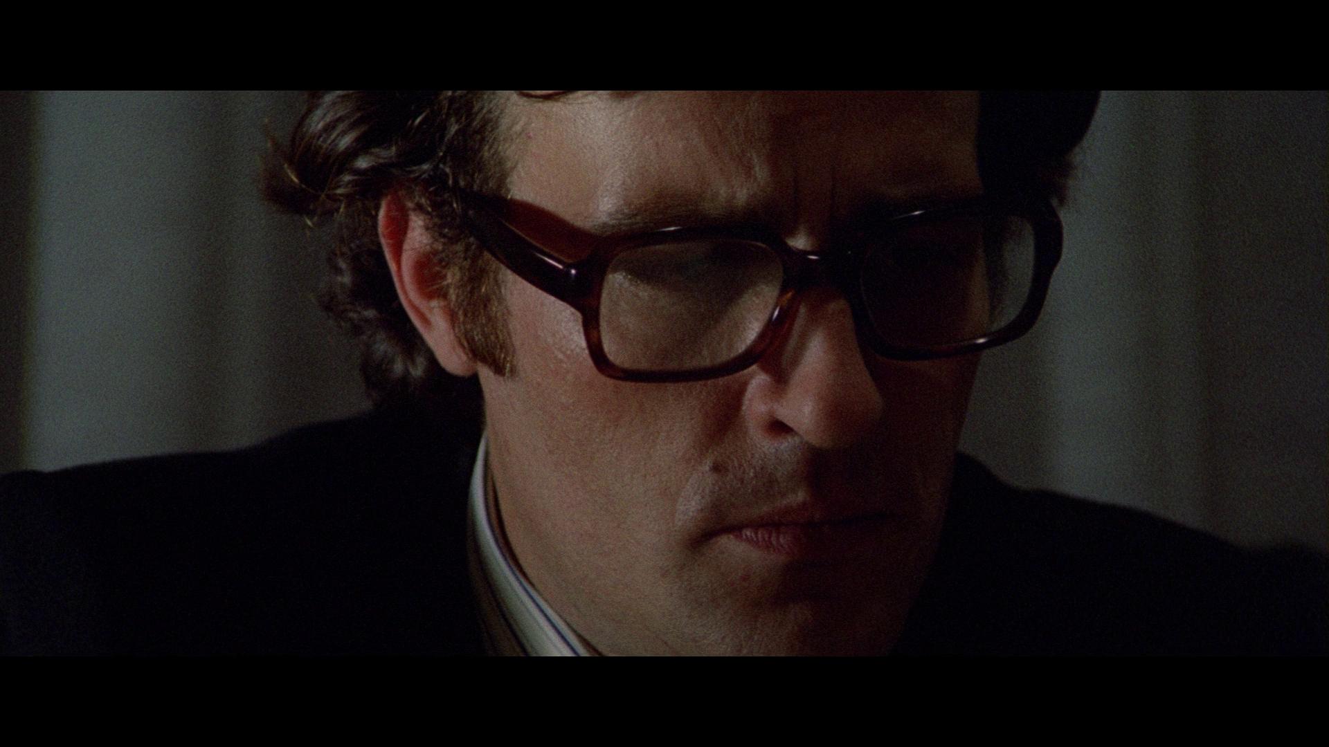 Claudio Cassinelli in La polizia chiede aiuto (1974)