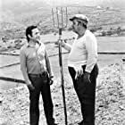 Alekos Alexandrakis and Pantelis Zervos in I Maria tis siopis (1973)