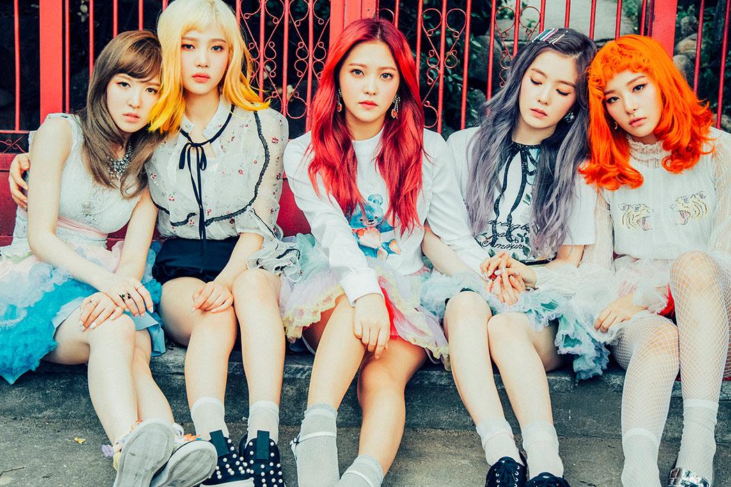 Red Velvet in Red Velvet: Russian Roulette (2016)