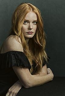 Abigail Cowen Picture