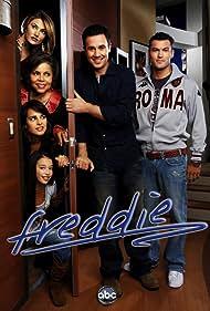 Mädchen Amick, Brian Austin Green, Jacqueline Obradors, Freddie Prinze Jr., Jenny Gago, and Chloe Bridges in Freddie (2005)