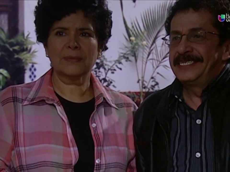 Isabel Martínez 'La Tarabilla' in Corazones al límite (2004)