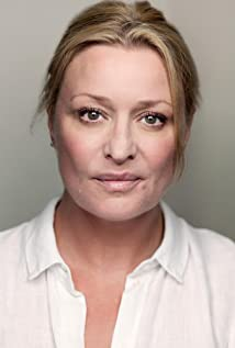 Laurie Brett Picture
