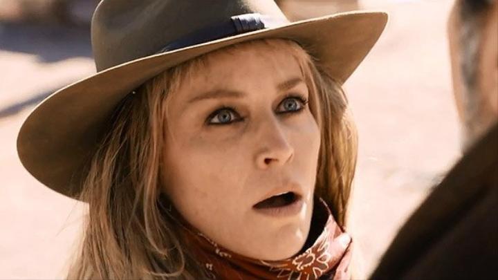 Sharon Stone in Lyubov v bolshom gorode 3 (2014)