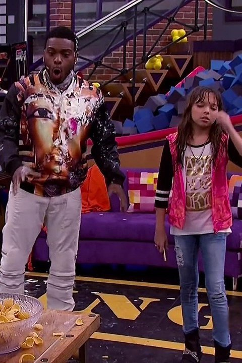 Kel Mitchell and Cree Cicchino in Game Shakers (2015)