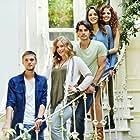 Su Kutlu, Asli Melisa Uzun, Idris Nebi Taskan, Akin Akinözü, and Hayal Köseoglu in Arkadaslar Iyidir (2016)