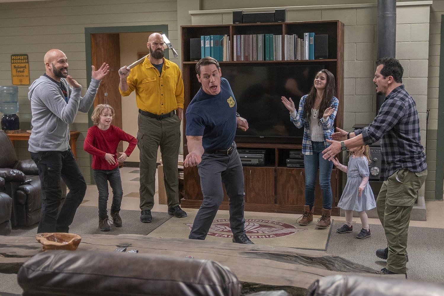 John Leguizamo, Tyler Mane, Finley Rose Slater, John Cena, Keegan-Michael Key, Brianna Hildebrand, and Christian Convery in Playing with Fire (2019)