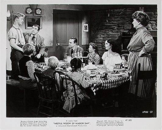 Bud Abbott, Jimmy Bates, Bill Clauson, Lou Costello, Paul Dunn, Diane Florentine, Marjorie Main, Billy O'Leary, Pamela Wells, and Audrey Young in The Wistful Widow of Wagon Gap (1947)