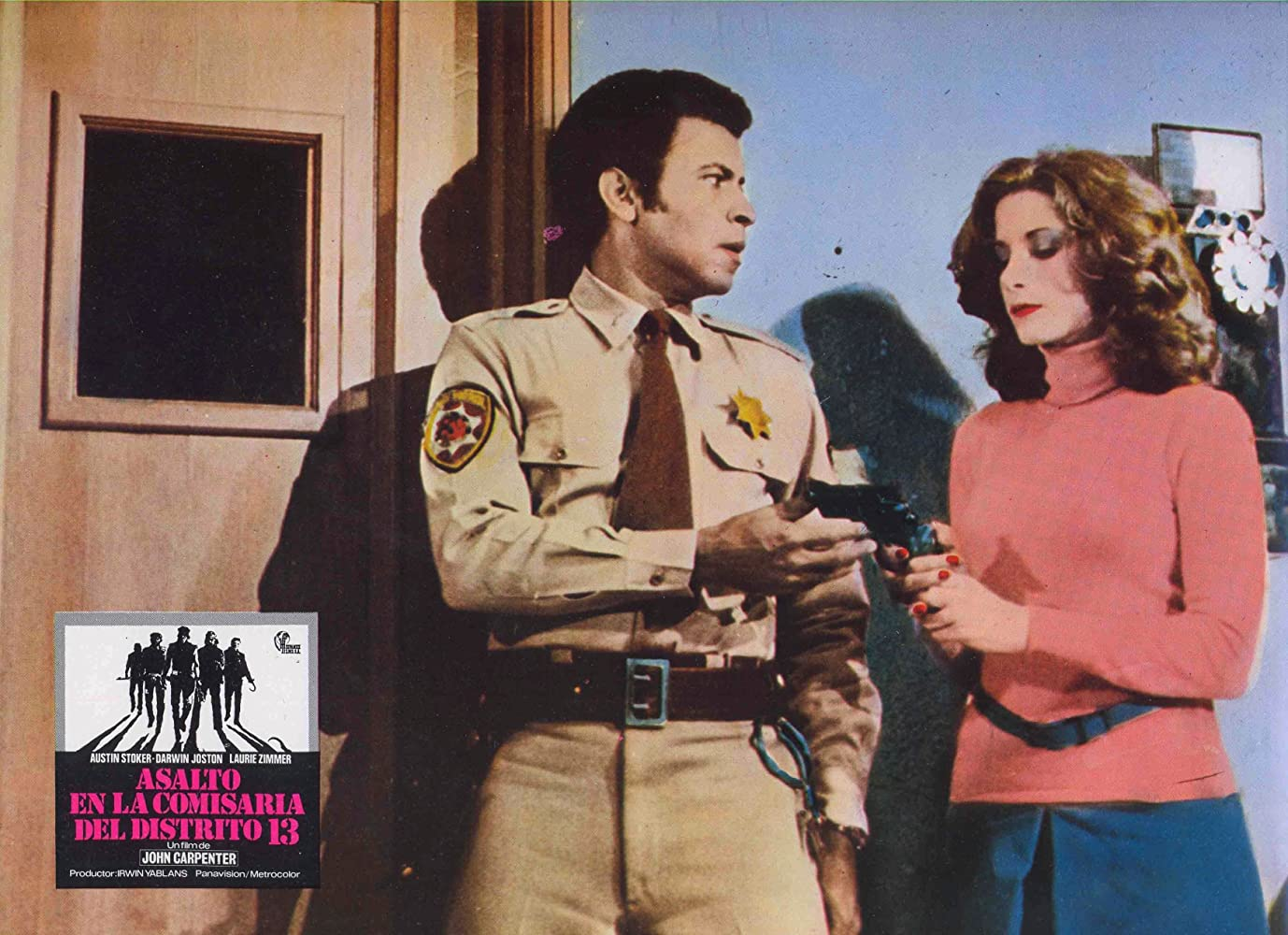 Austin Stoker and Laurie Zimmer in Assault on Precinct 13 (1976)