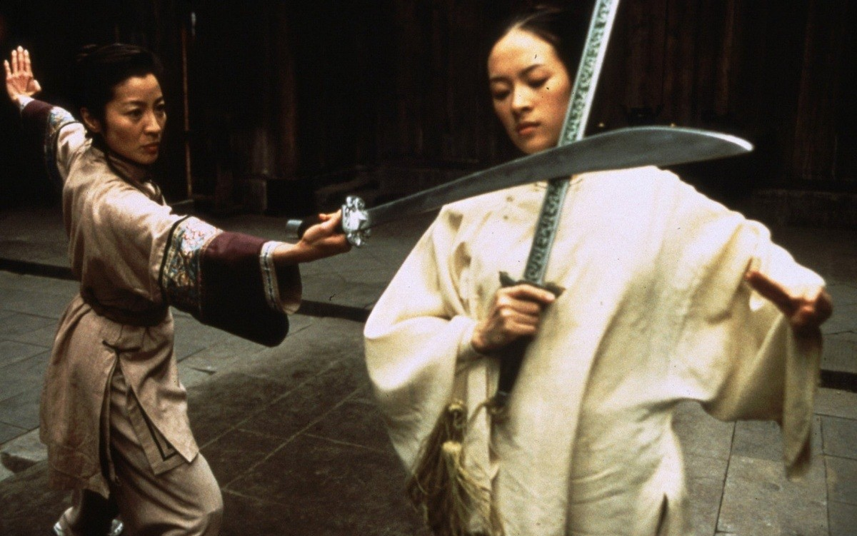 Michelle Yeoh and Ziyi Zhang in Wo hu cang long (2000)