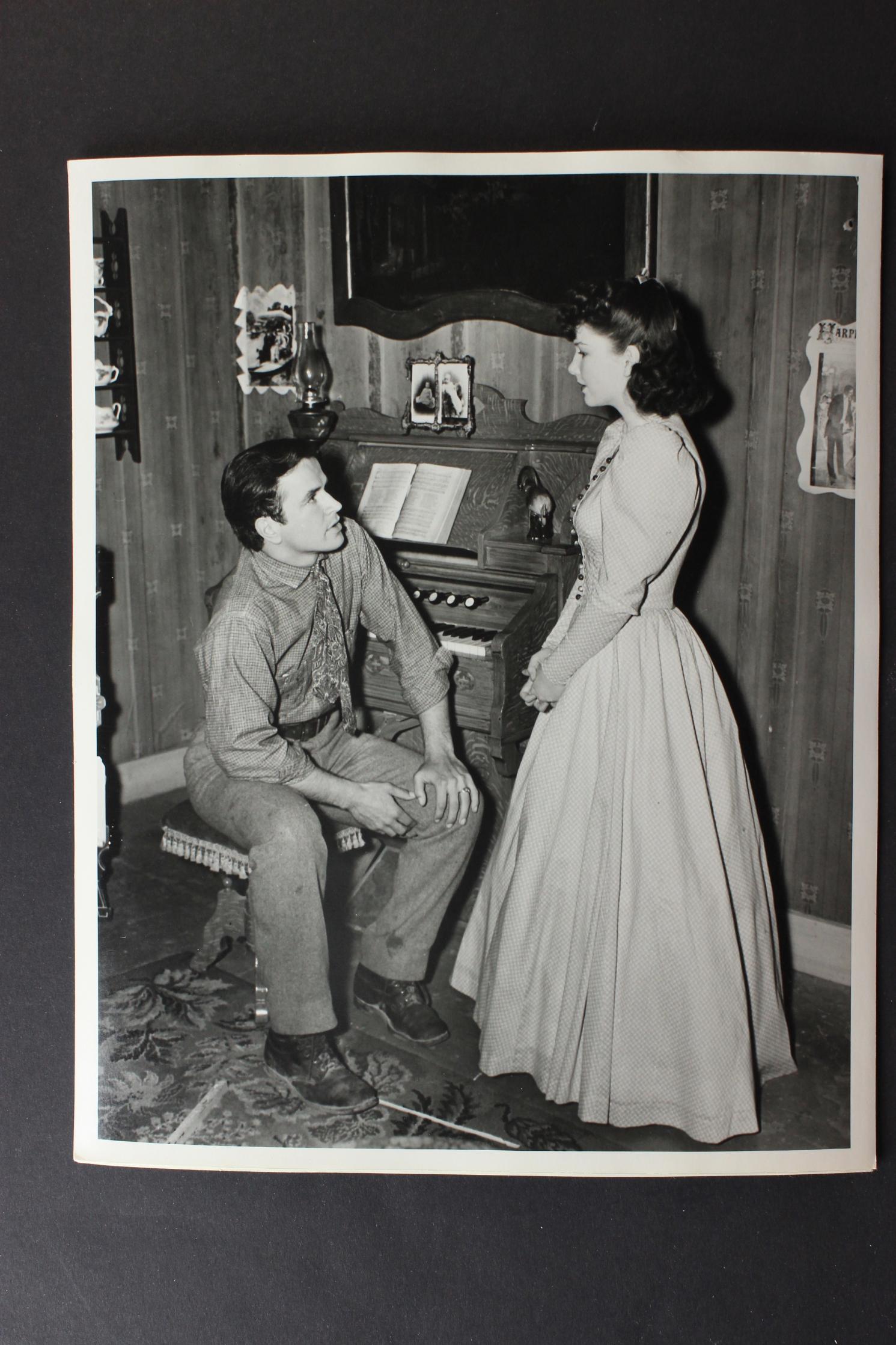 Anne Baxter and Noah Beery Jr. in 20 Mule Team (1940)
