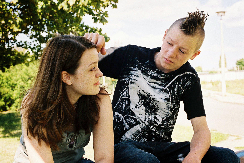 Ceci Chuh and Vincent Krüger in Wenn die Welt uns gehört (2009)