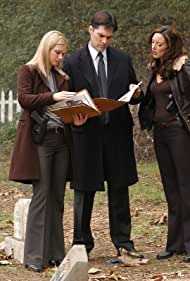 Thomas Gibson, A.J. Cook, and Lola Glaudini in Criminal Minds (2005)