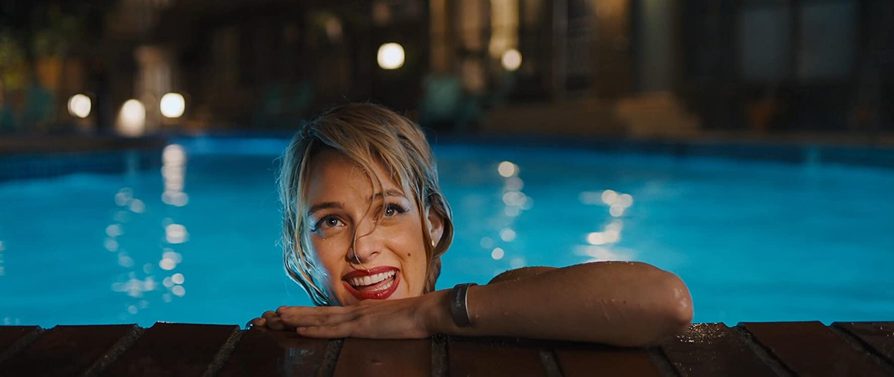 Riley Keough in Under the Silver Lake (2018)