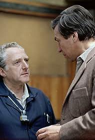 Jirí Hálek and Frantisek Nemec in Tretí patro (1985)