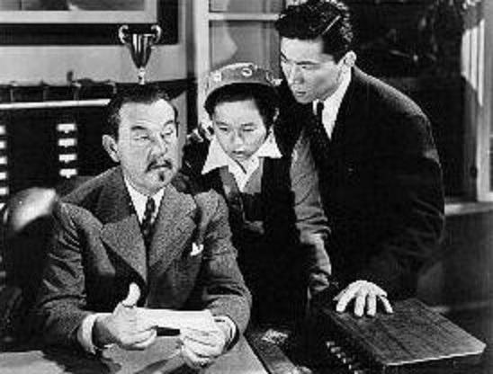 Sidney Toler, Layne Tom Jr., and Victor Sen Yung in Charlie Chan's Murder Cruise (1940)
