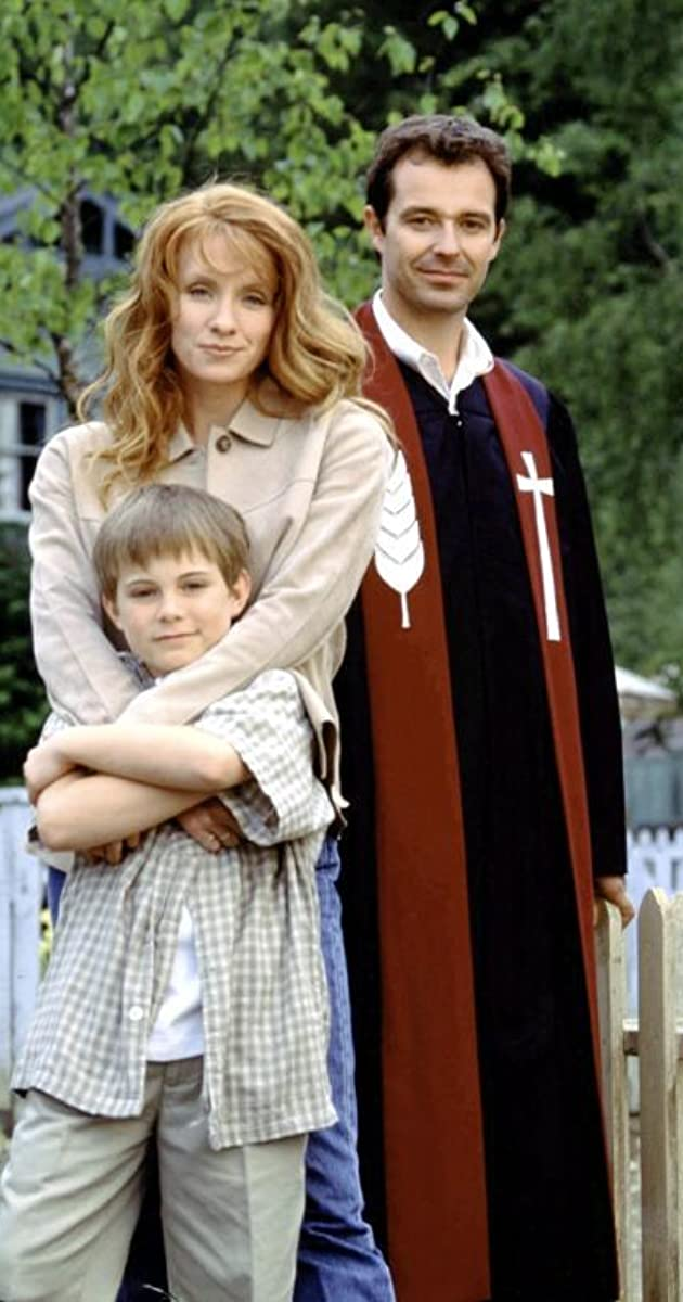 Hope Island (TV Series 1999– ) - Full Cast & Crew - IMDb