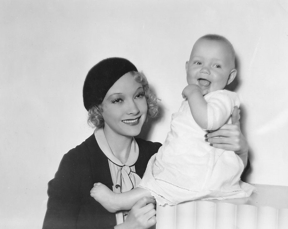 Baby LeRoy and Helen Twelvetrees in A Bedtime Story (1933)