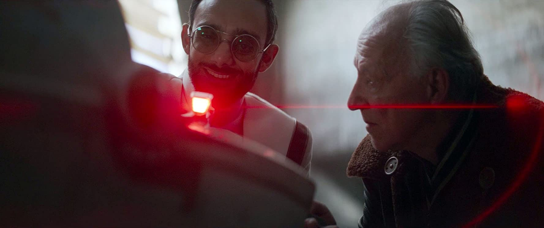Werner Herzog and Omid Abtahi in The Mandalorian (2019)