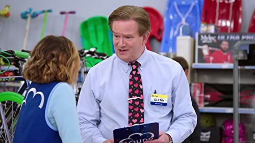 Superstore: Glenn Wants To Play Match Maker With The Cloud 9 Employees