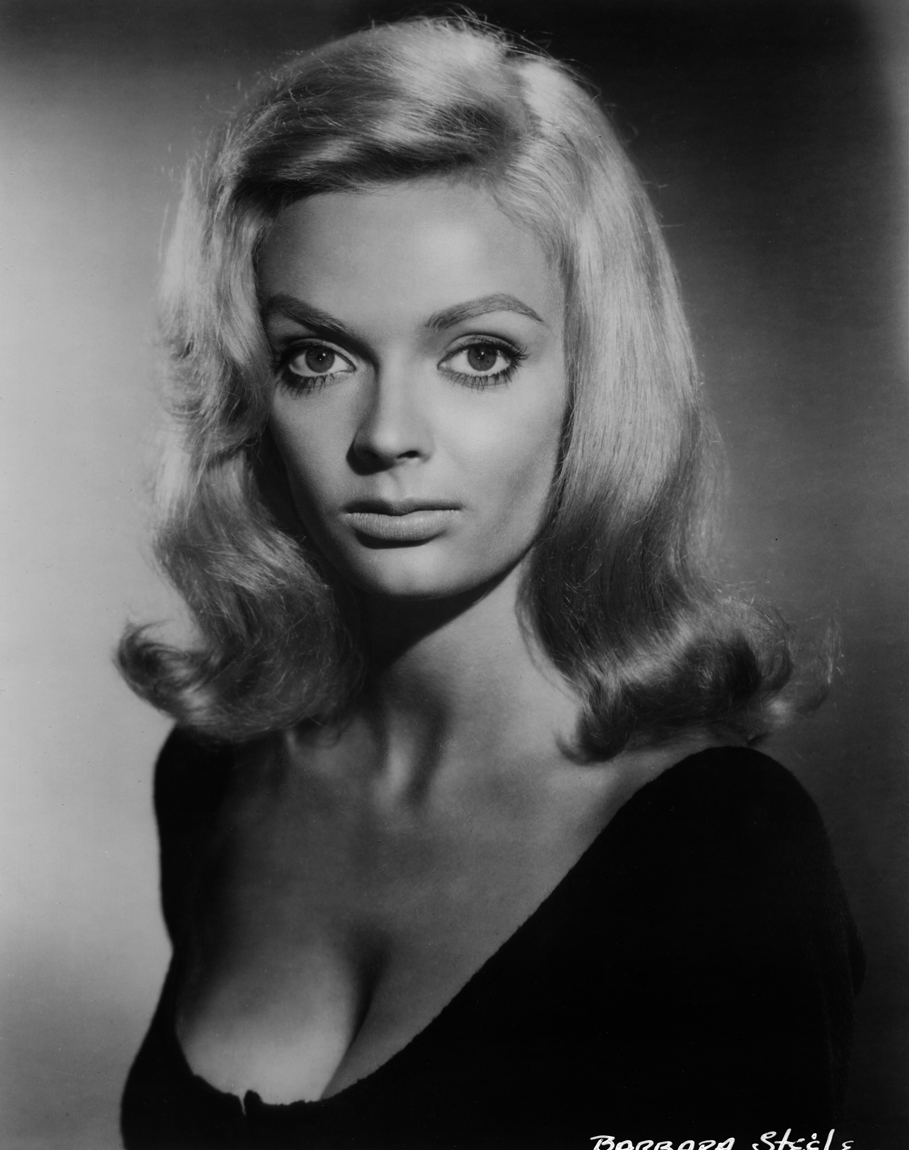 Barbara Steele in Flaming Star (1960)