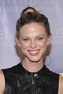 Scarlett Burke Picture