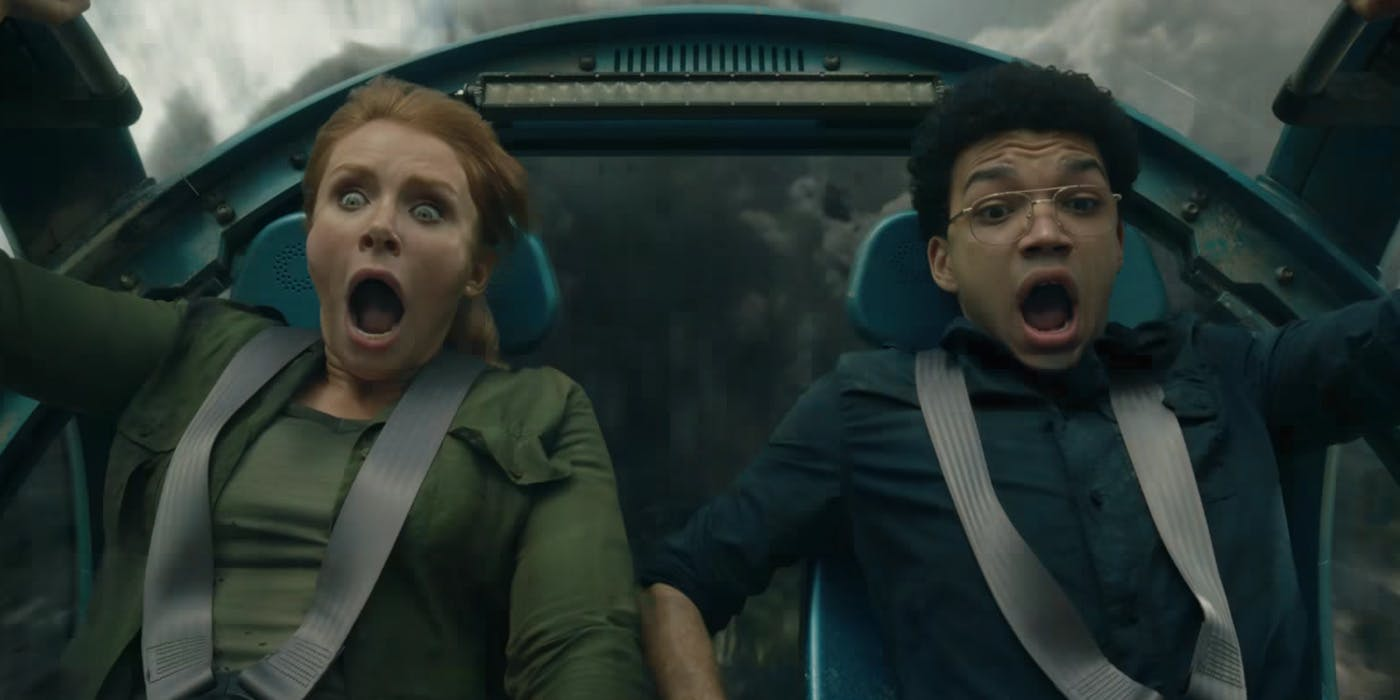 Bryce Dallas Howard and Justice Smith in Jurassic World: Fallen Kingdom (2018)