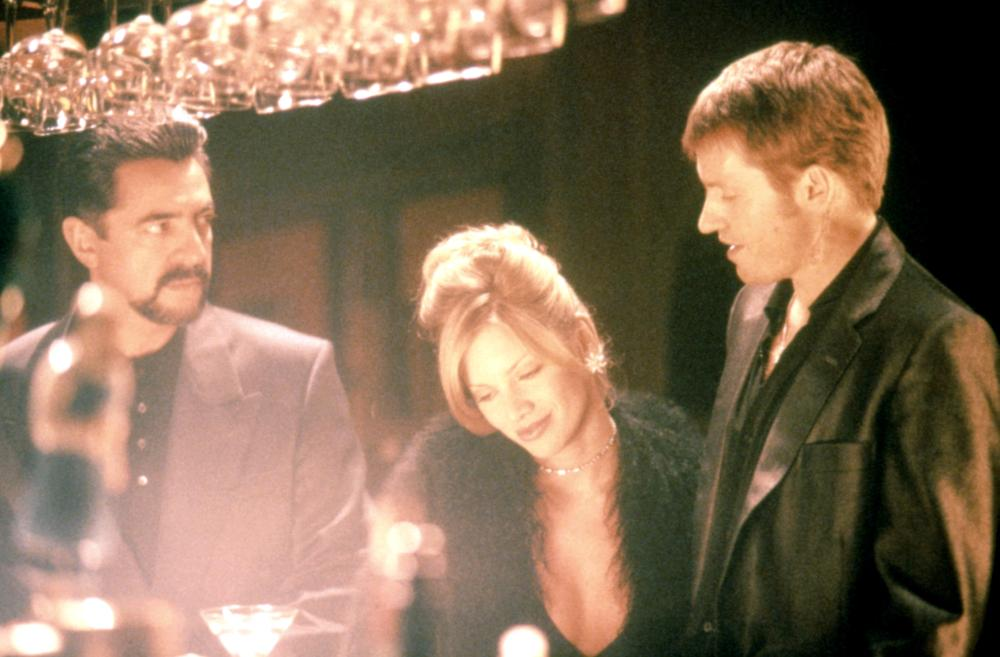 Traci Lords, Denis Leary, and Joe Mantegna in Underworld (1996)