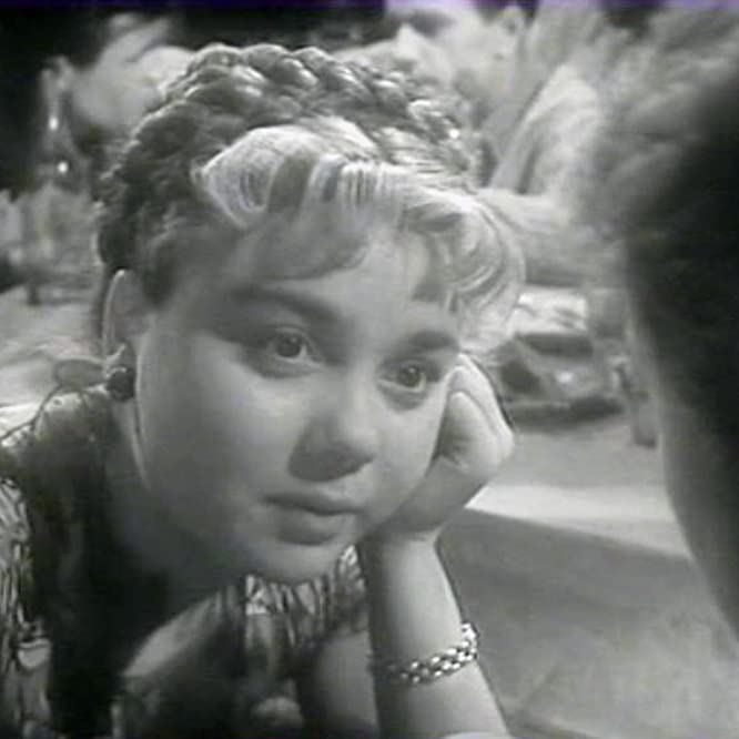 Nina Doroshina in Chelovek rodilsya (1956)