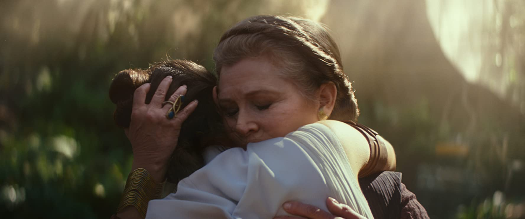 Carrie Fisher and Daisy Ridley in Star Wars: Episode IX - The Rise of Skywalker (2019)