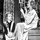 Laura Granados and Sara Montiel in Mi último tango (1960)