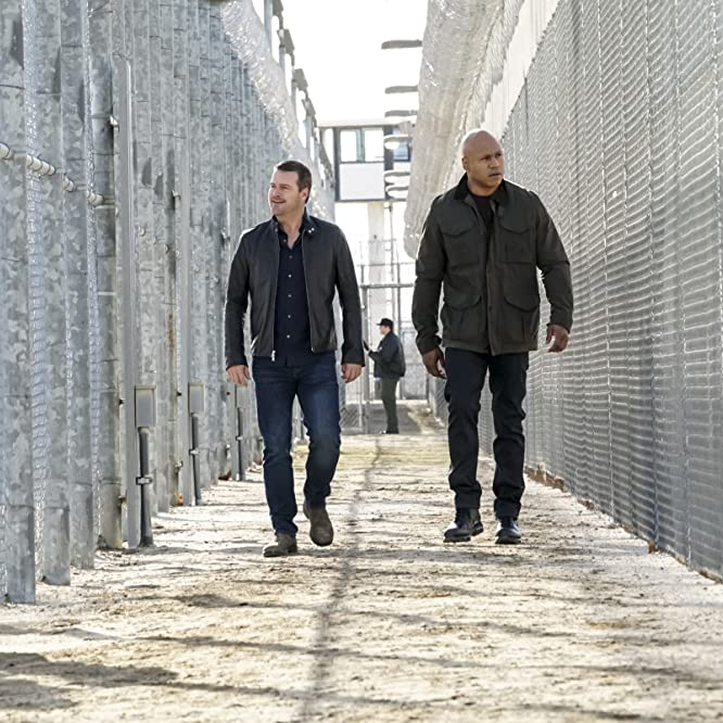 Chris O'Donnell and LL Cool J in NCIS: Los Angeles (2009)