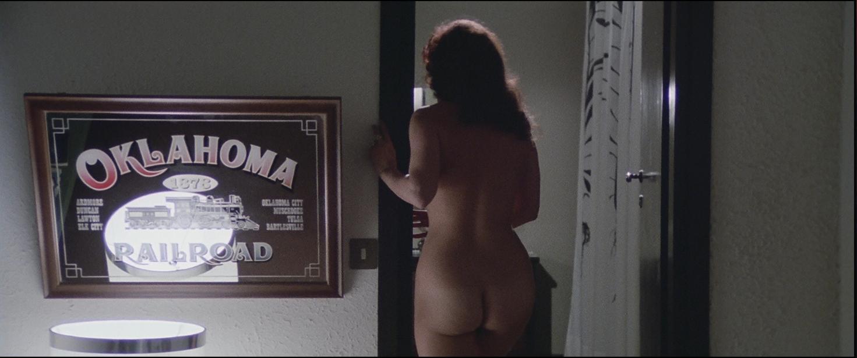 Femi Benussi in Nude per l'assassino (1975)