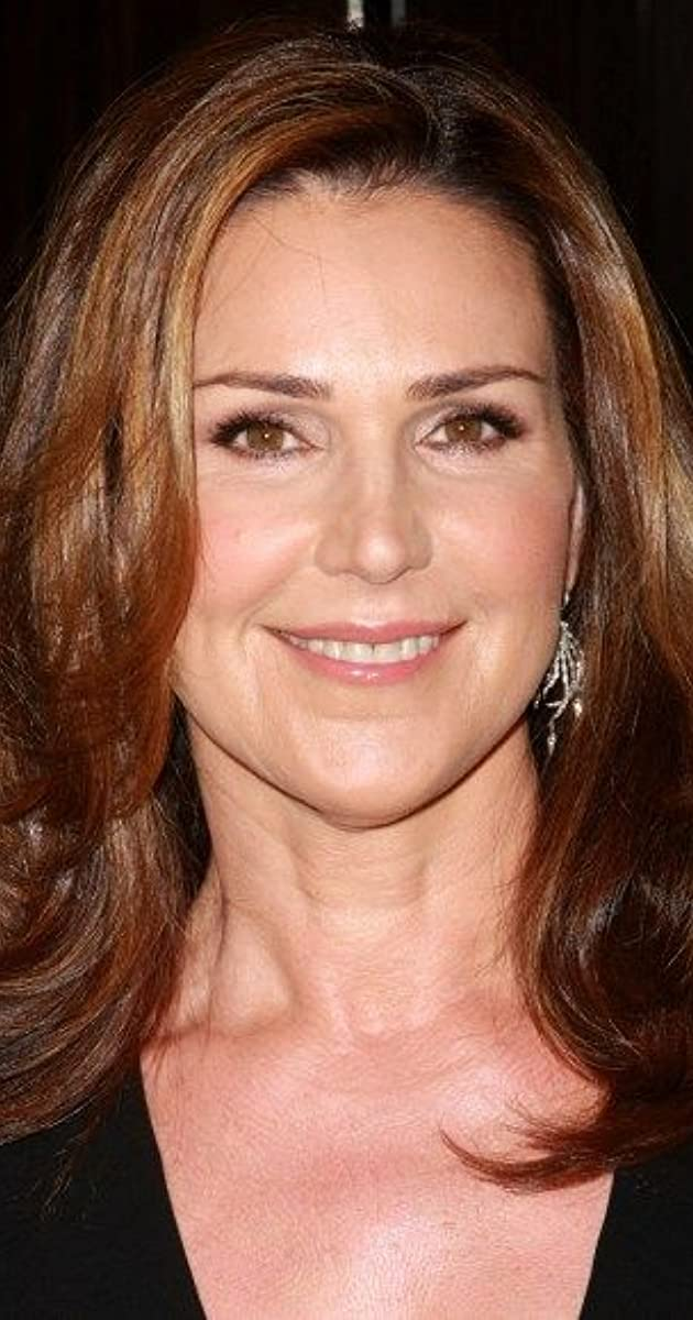 The 59-year old daughter of father (?) and mother(?) Peri Gilpin in 2021 photo. Peri Gilpin earned a  million dollar salary - leaving the net worth at  million in 2021
