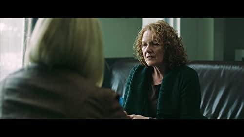 A homicide detective sees similarities between herself and the victims of a killer who is murdering clinical phobics by exposing them to their fears.