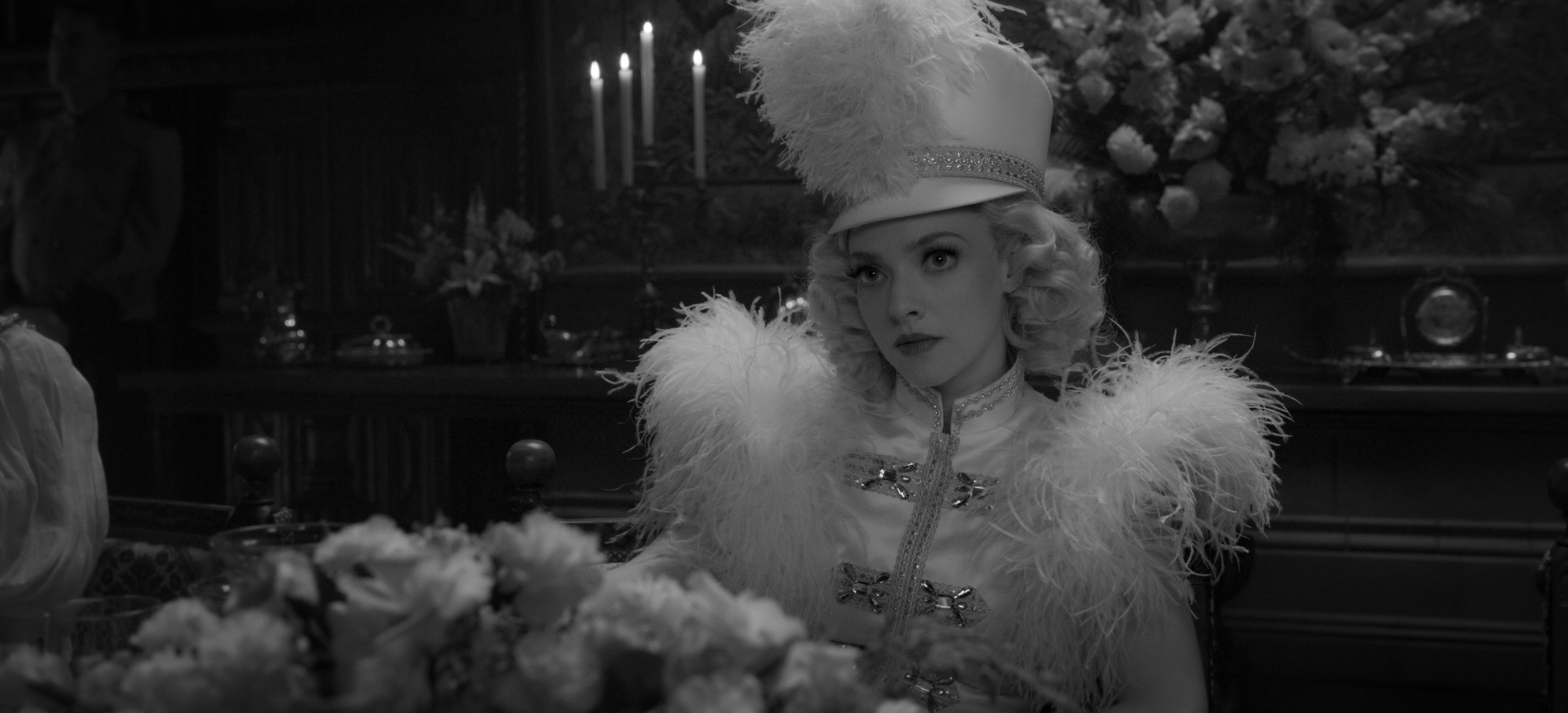 Amanda Seyfried in Mank (2020)