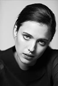 Primary photo for Margaret Qualley