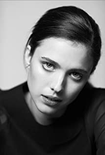Margaret Qualley Picture