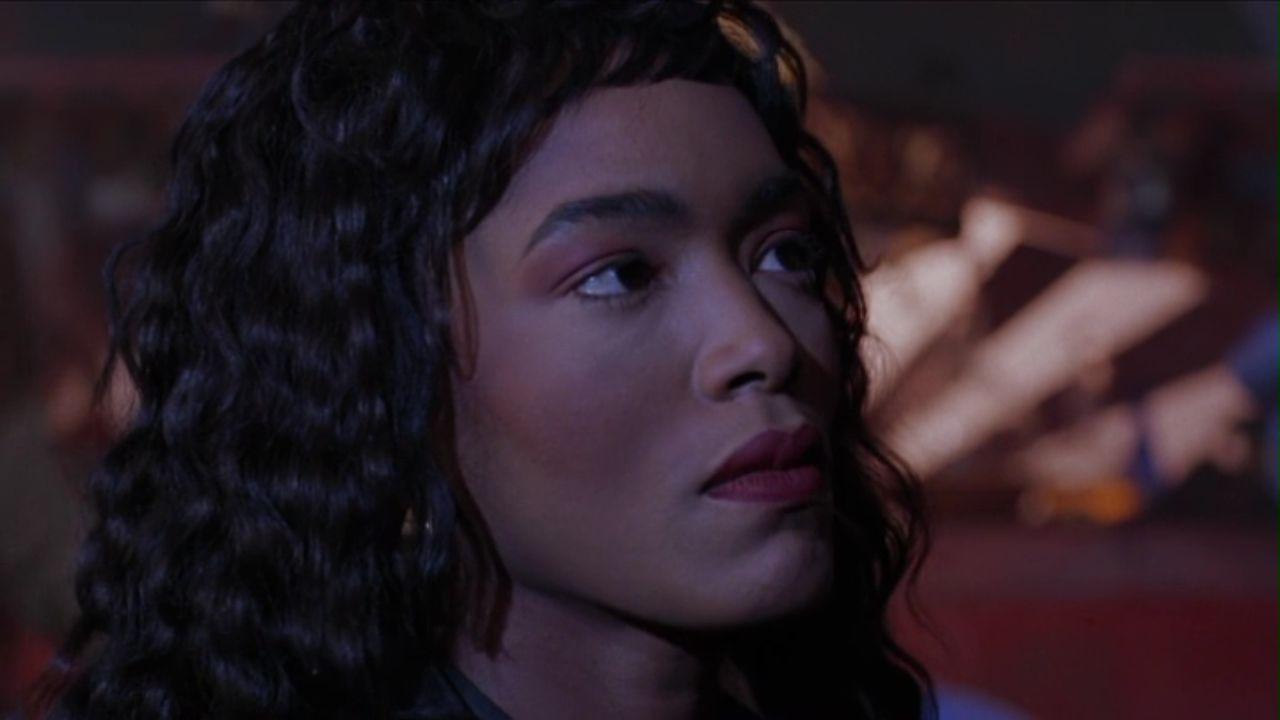 Angela Bassett in Vampire in Brooklyn (1995)