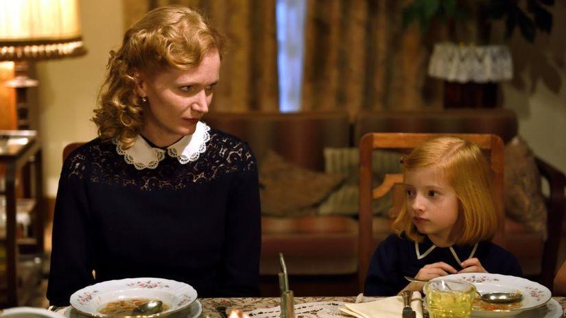 Anna Geislerová and Josefína Marková in Zahradnictví: Rodinný prítel (2017)