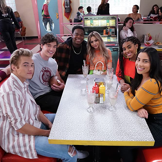 Belmont Cameli, Dexter Darden, Chris Haston, Josie Totah, Alycia Pascual-Pena, Haskiri Velazquez, and Mitchell Hoog at an event for Saved by the Bell (2020)